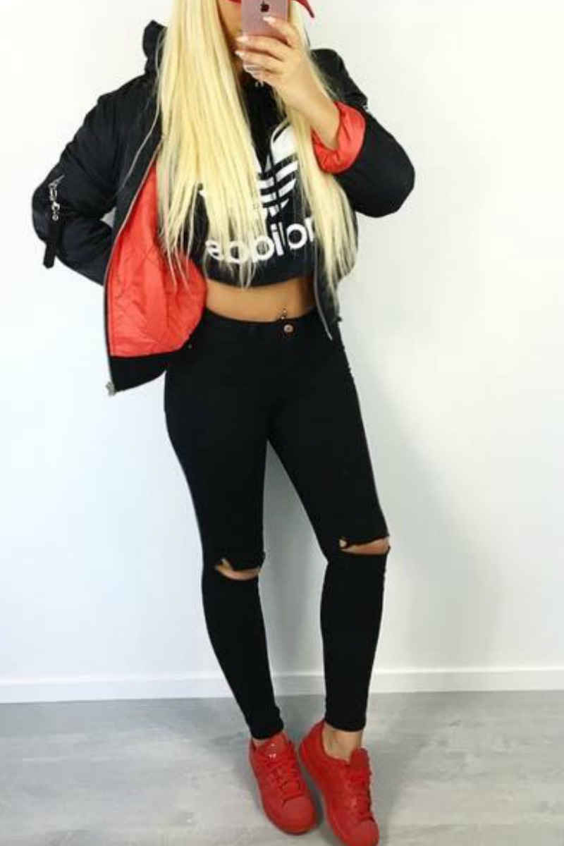 Teen Fall Fashion Outfit Ideas For School Black Ripped Jeans Red